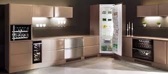 cuisine du frigo réfrigérateur d angle encastrable dans une cuisine pleine hauteur