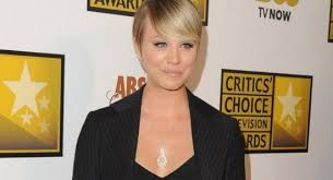 how many people like penny on the big bang theory new hair kaley cuoco to see pregnant penny in the big bang theory season 10