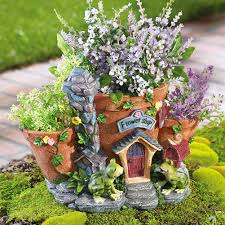 Pinterest Fairy Gardens Ideas by This Isn U0027t Exactly A Fairy Garden But Could Easily Be Made With