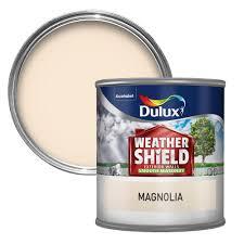 dulux weathershield magnolia cream smooth matt masonry paint 0 25l