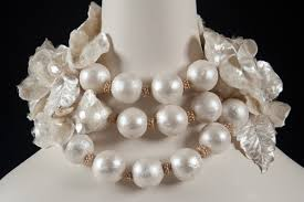 tutorial pearl necklace images Bob johnson 39 s gumpaste couture pearl necklace tutorial jpg