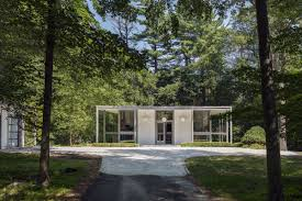 house of the day curbed