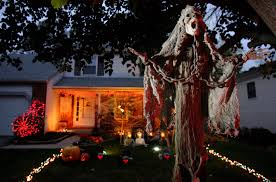 Philips Halloween Lights Halloween Light Show Omg This Halloween Light Show Is So Badass