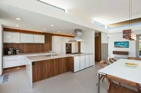 cuisine bois et blanc cuisine blanc laque avec ilot modern aatl bois et newsindo co