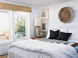 How To Make A Small Bedroom Feel Bigger by Simple Palette Myhomeideas Com