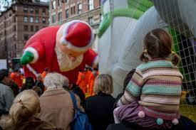 macy s thanksgiving parade balloon inflation things to do in new