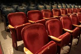 Theater Chairs For Sale Bring The Movie House To Your House Buy Vintage Seats From The