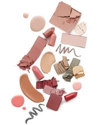 traveling makeup artist traveling these pro tips from martha s makeup artist will keep