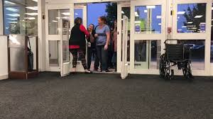 black friday shoppers at kohl s on thanksgiving day