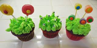 Halloween Monster Cake by Halloween Monster Cupcakes