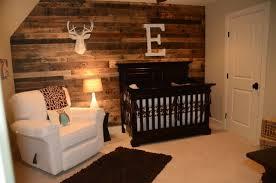 chambre deco bois décoration chambre bébé 39 idées tendances