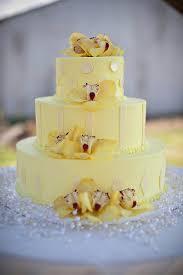 lovely yellow wedding cakes trendy bride magazine