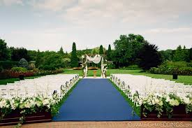 it u0027s a beautiful day for a wedding in the rose garden at the