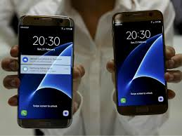 samsung galaxy s8 plus could make the iphone 7 plus look small