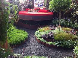 metal landscape edging makes your home yard looks neat