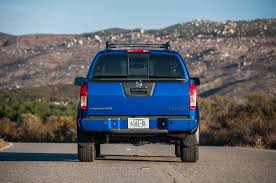 2003 Nissan Frontier Roof Rack by Comparison Chevrolet Colorado Vs Nissan Frontier Vs Toyota Tacoma