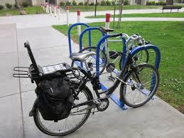 siege velo b vélo équipé du siège bobike junior qui sert de porte bagage