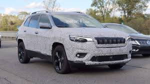 dark gray jeep cherokee 2018 jeep cherokee spied showing its redesigned headlights
