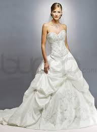 sweetheart neckline wedding dress ivory wedding gowns with sweetheart necklines tulle strapless