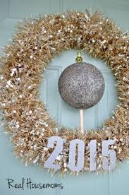 New Year Decorations Online by Diy New Years Eve Party Ideas Garlands Gold And Holidays