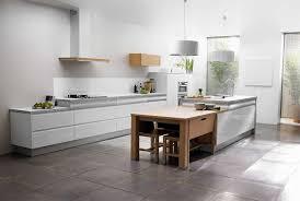 cuisine contemporaine blanche étourdissant cuisine blanche et bois et cuisine contemporaine