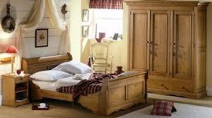 chambre pin massif chambre a coucher adulte en pin massif votre inspiration à la maison