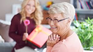 60 year woman birthday gift ideas 5 thoughtful 60th birthday gift ideas for women