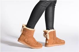 ugg mini bailey bow on sale ugg mini bailey bow knit chestnut