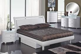Emily Bedroom Furniture Emily White Glossy Platform Bed