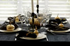 images of gold and silver table settings