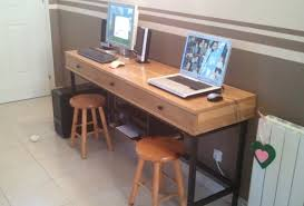 bureau sur fabriquer un bureau sur mesure en chêne massif avec