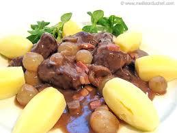 cuisiner un boeuf bourguignon c est facile le boeuf bourguignon du vin des carottes