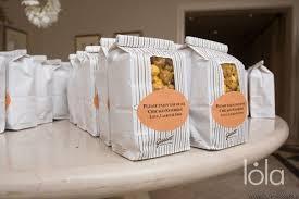 Garretts Popcorn Wedding Favors by Garrett Popcorn Favors Chicago Wedding Ideas And Inspiration
