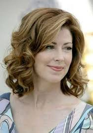 hairstyles for mother of the bride oval shaped face why fox news anchors wear so much makeup foxes makeup and hair