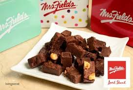 mrs fields brownies mrs fields 25 gift tin can brownie nibblers trabaho