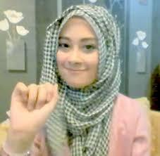 tutorial hijab noura tutorial hijab hanya 1 menit ala personil noura nina septiani 5