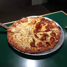 Round Table Pizza Buffet Hours by Round Table Pizza 71 Photos U0026 123 Reviews Pizza 10415