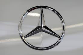 mercedes logo mercedes recalls 120 000 vehicles in u s says air bags can