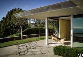 Beach House Backyard Ryan Murphy U0027s Brilliant Beach House Photos Architectural Digest