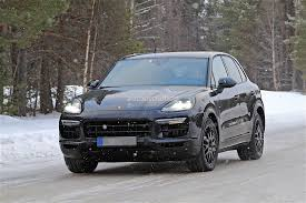 Porsche Cayenne With Rims - 2018 porsche cayenne spied with mild camo expect to see
