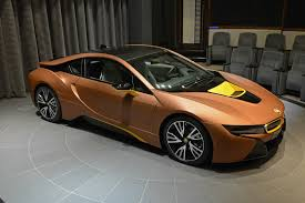 Bmw I8 Matte Black - bmw i8 shows up wearing yellow highlights