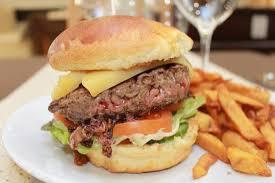 cours de cuisine charente maritime hamburger brasserie le grand comptoir du cours a saintes en