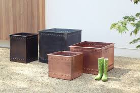 20 Inch Planter by 32 Stylish Outdoor Planters To Perk Up Your Garden Or Patio Photos