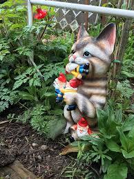 garden gnome statue cat knomes
