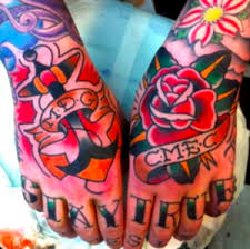 tattoo old school mani tatuaggio sulle mani consigli idee e galleria di foto passionetattoo