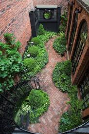 25 beautiful courtyard ideas ideas on small garden best 25 garden ideas on garden eclectic