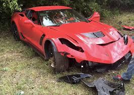 corvette car crash update inexperienced c7 corvette z06 driver crashes his pride and