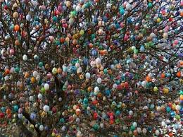 Glass Easter Tree Decorations by Easter Tree Strangely Enough Such A Thing As An Easter Tree