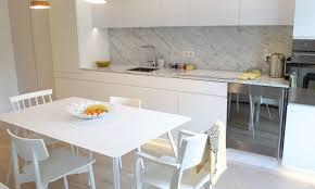 cuisine bois laqu modele cuisine blanc laqu cuisine ouverte blanc et noir agence