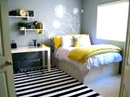 Small Bedroom Furniture Layout Arranging A Small Bedroom